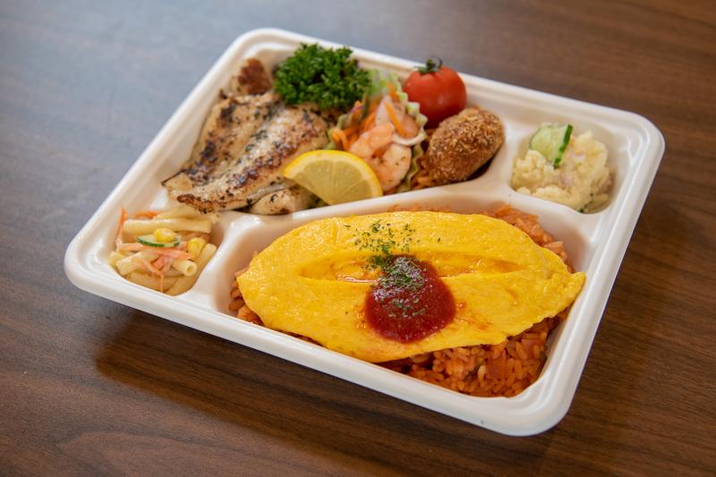 白身魚の香草焼とオムライス